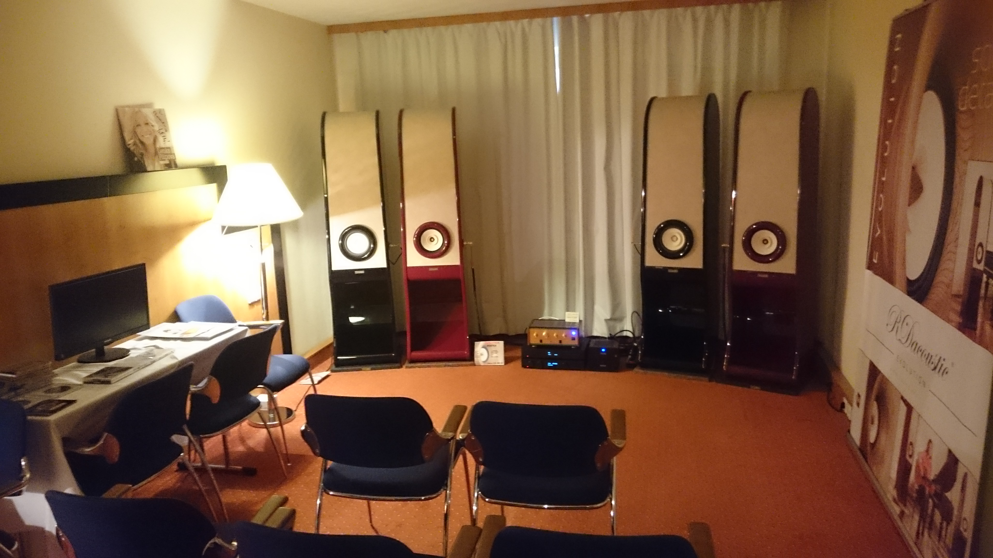 High end speakers Evolution for true stereo