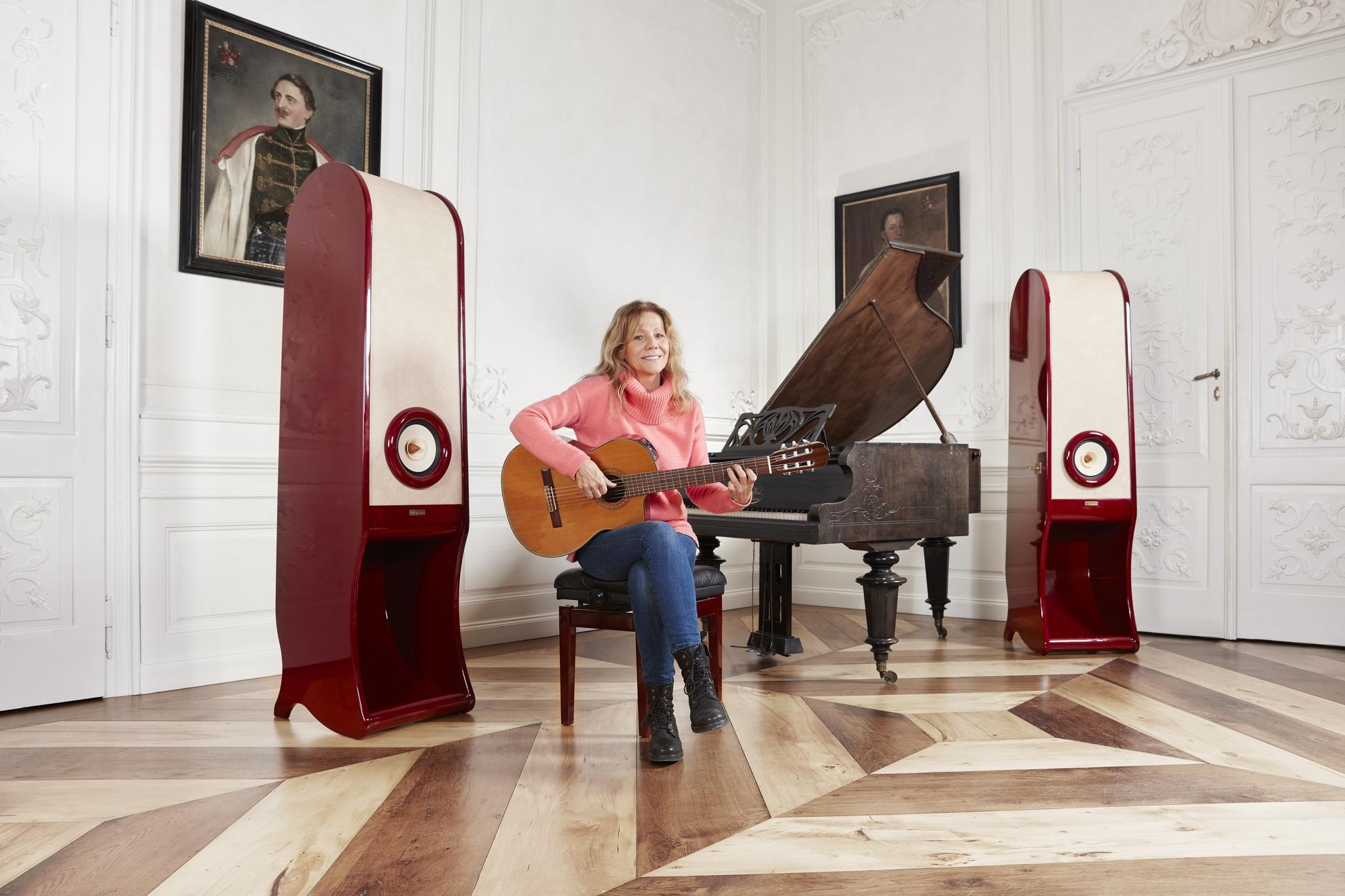 RDacoustic Evolution speakers Lenka Filipova Lesna castle Czech republic