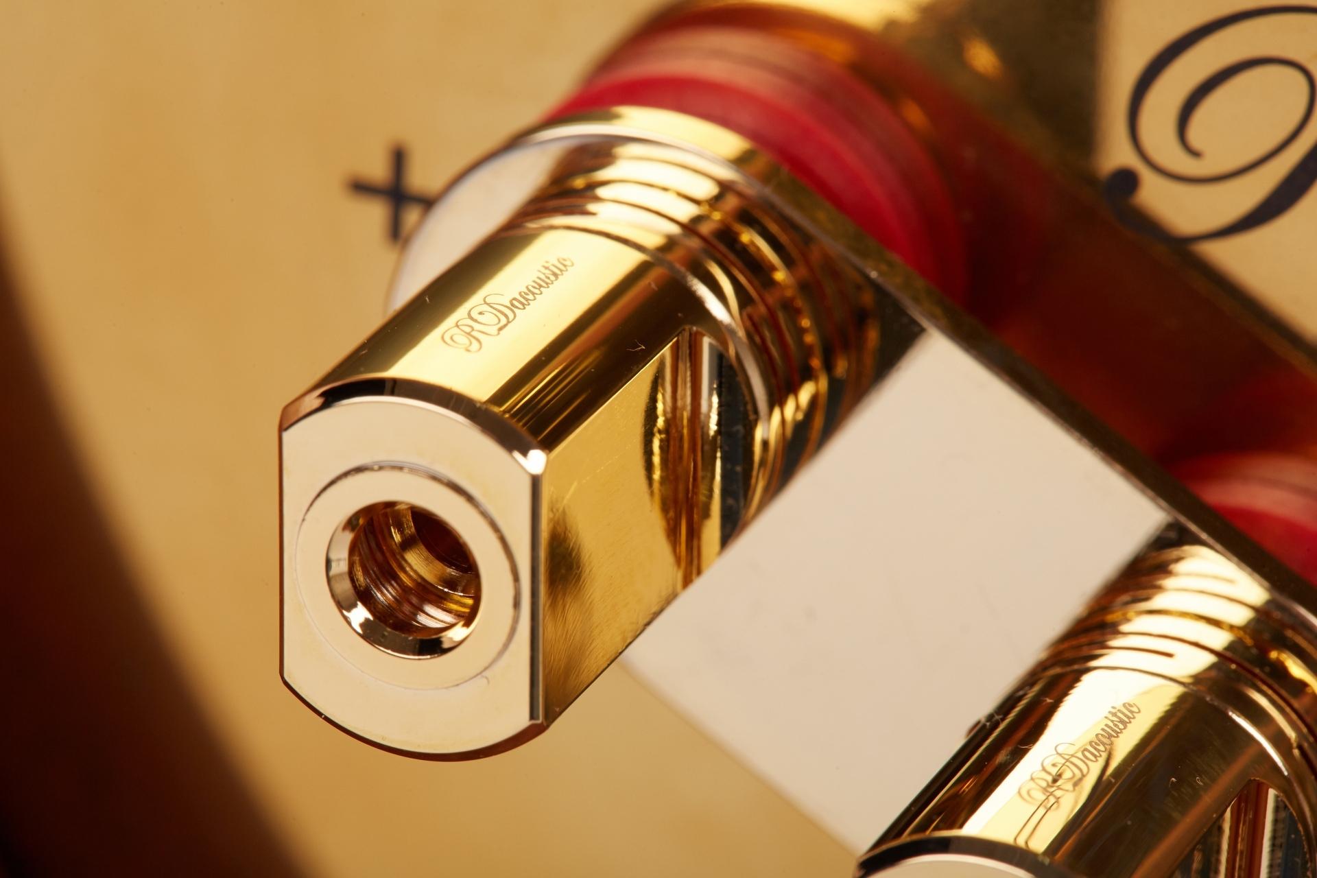High End reproduktorové soustavy Euphoria - propojovací svorka